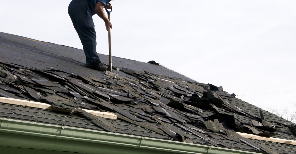 Should Your Hire An Unlicensed Roofing Contractor To Work